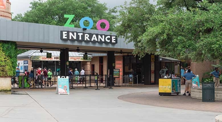 Museum BLVD Residents Enjoy Date Nights at the Houston Zoo