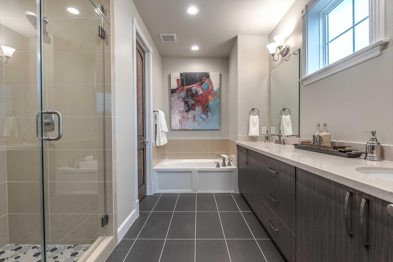 2307A_Master_Bath_Room.jpg